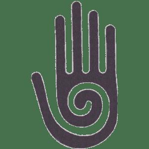 main marron avec une spirale